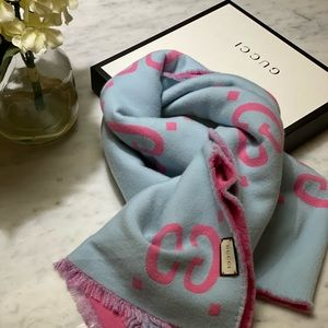 Gucci reversible scarf/wrap